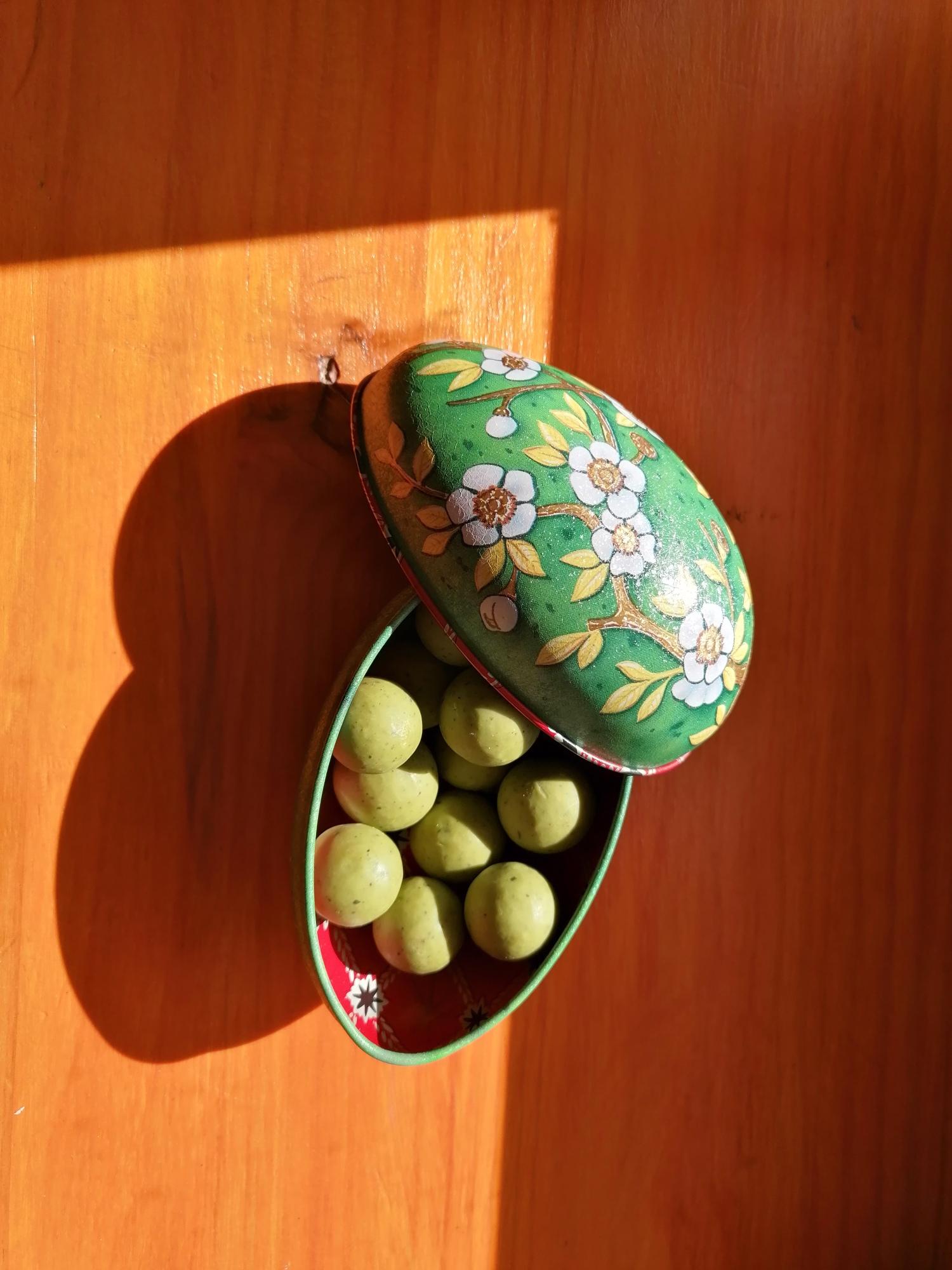 Bombón de té matcha y huevo